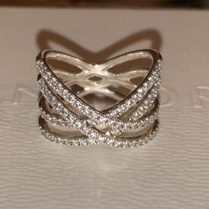 Entwined lines ring